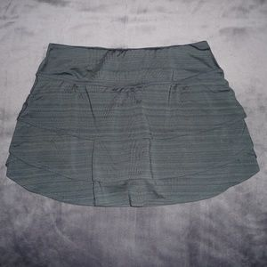 NWOT Athleta Swagger Tiered Ruffle Skort M